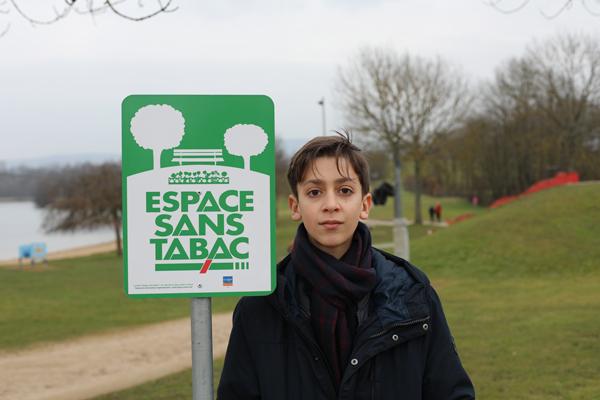 Signature de huit nouveaux Espaces Sans Tabac dans l'Ain